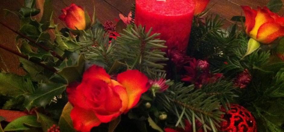 Christmas table decorations dawsons beck call for Homemade christmas table decorations uk
